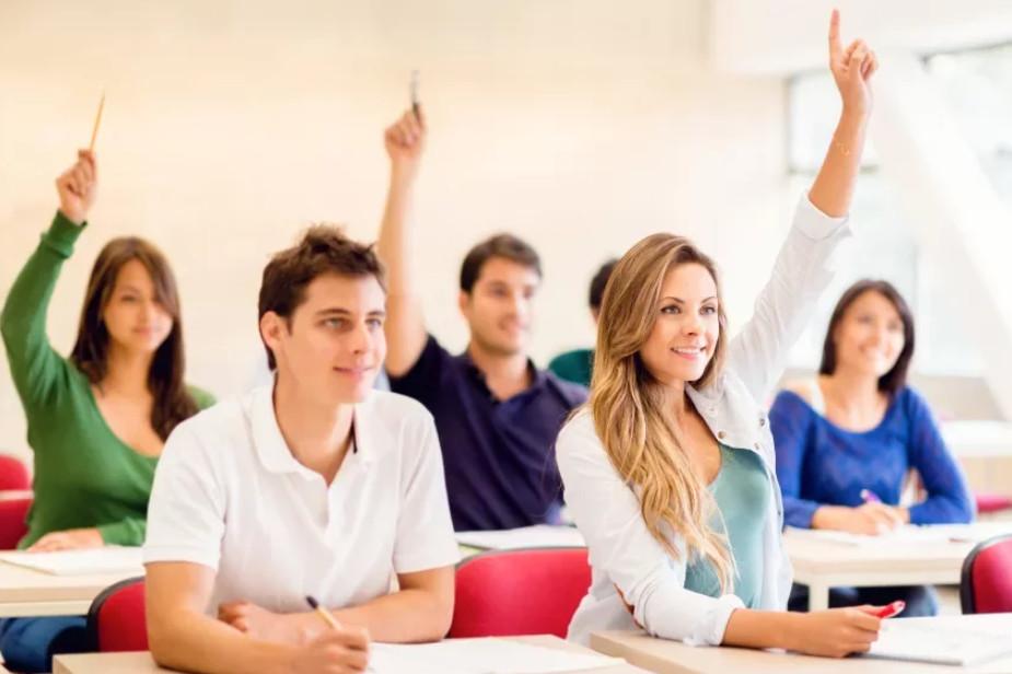 Активные студенты ведущих вузов могут пройти практику в подразделениях Сбербанка с последующим трудоустройством