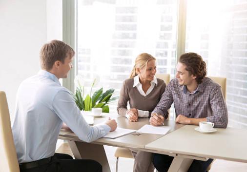 Оформление закладной по времени совпадает с тем, когда подписывают кредитный договор