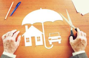 По закону страховать обязательно: залоговое имущество по ипотеке и машину в автокредите. Почта Банк их на данный момент не предоставляет.