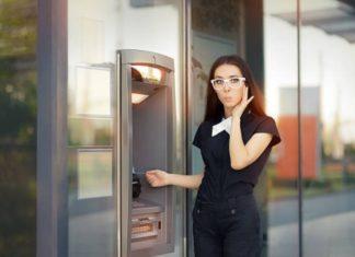 Есть ли комиссия за пополнение карты Сбербанка наличными в банкомате