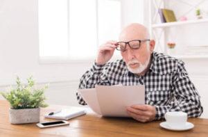 Страхование при получении кредита в Совкомбанке не является обязательным, но настоятельно рекомендуется сотрудниками банка, учитывая высокий возрастной порог заемщика