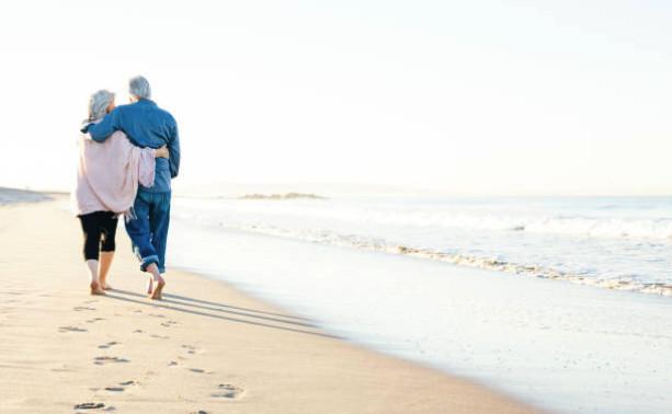 Все взносы, направленные на формирование накопительной части, на самом деле направляются на страховую часть и служат для выплат современным пенсионерам