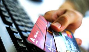 Лимит кредитных карт Альфа-Банка, в том числе и карты 100 дней без процентов, зависит от ее типа и доходов клиента