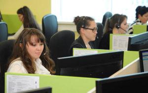 Обратитесь в колл-центр Газпромбанка, чтобы уточнить работу того или иного отделения в праздничные дни 2018 года