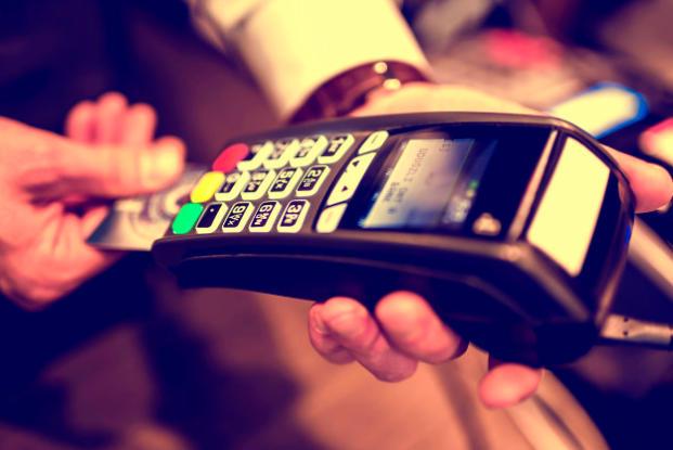 7 причин, почему лучше платить с карты